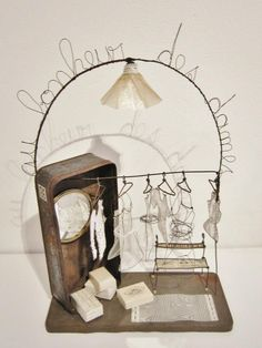 Love of miniature in wire. Wire Art Sculpture, Textile Sculpture, Art Fil, Wire Drawing, 3d Pen, Wire Crafts, Fairy Dolls, Diy Arts And Crafts, Art Model