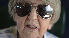 Esta sueca nasceu em 1912, o ano em que o Titanic afundou e tirou um curso de computadores aos 99 anos