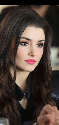 Hayat very beautiful eyes lovely picture beautiful lady. Beauty Full Girl, Cute Beauty, Beauty Women, Beautiful Girl Image, Beautiful Eyes, Gorgeous Women, Turkish Women Beautiful, Most Beautiful Faces, Beautiful Images