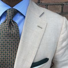"@danielmeul from @pauwmannen wearing a Viola Milano ""Floral Print - Sand"" silk tie & ""Forest Border"" linen pocket square... www.violamilano.com  #vm #violamilano #handmade #madeinitaly #sartorial #pauwmannen #timeless #elegance #classic #menswear"