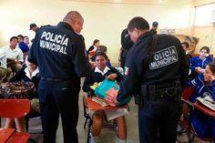 Operativo Mochila en dos escuelas de Tlahuapan