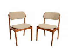 6 Teak Dining Chairs designed by Erik Buck OD Mobler 6 side chairs Upholstery. Condition- Good Vintage Condition. Original upholstery in good condition except for one chair with a small tear as shown.. Structurally sound. Measures-31.5h x 19w x 20d Seat 18h Ships Freight within the continental US for $ 249.00 This is to the curb. Some rural areas may be more please send me your zip code to verify shipping.