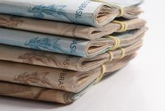 Dinheiro ainda é a principal forma de pagamento dos brasileiros