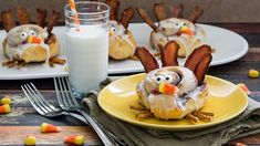 Start your Thanksgiving morning with a sweet roll. Everyone will gobble, gobble them up!