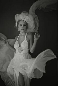 Portrait Couture - Sue Bryce