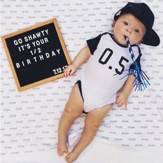 baby trucker hat george_hat i love milestone pictures anyway but this one has me all ! wood letter boards make incredible baby shower gifts not only can the moms 6 Month Baby Picture Ideas Boy, Baby Boy Pictures, Newborn Pictures, 3 Month Old Baby Pictures, 6 Month Photos, Half Birthday Baby, Birthday Photos, Baby Kind, Baby Love