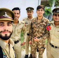 Pak Army Soldiers, Pakistan Armed Forces, Pakistan Zindabad, Military Women, Air Force, First Love, Navy, History, Quotations