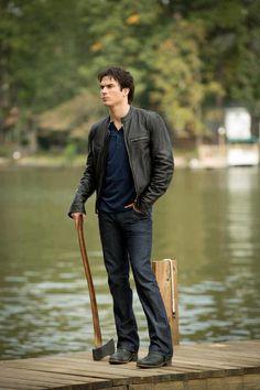 New Still TVD 4x09!! <3 Damon Salvatore at the Gilbert's Lake Huse!!