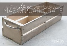 Simply Ciani: DIY Mason Jar Crate- this would be cute for a centerpiece with fresh flowers in mason jars.OR for a Christmas present Pot Mason, Mason Jar Crafts, Mason Jar Diy, Armoire, Deco Champetre, Kids Wood, Painted Mason Jars, Wooden Crates, Wood Boxes