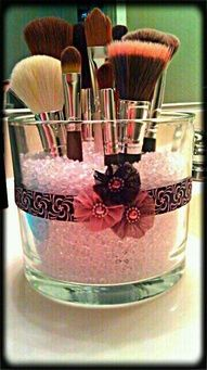 DIY Make-Up Brush Holder! What you'll need: Glass jar of your size/shape, Colorfill (found at Michael's), Ribbon, Any sort of decoration you'd like to add to it. Scissors & a hot glue gun. Have fun! Do It Yourself Organization, Organization Hacks, Kitchen Organization, Kitchen Storage, Organizing Ideas, Bathroom Storage, Jewelry Organization, Diy Décoration, Diy Crafts