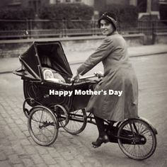 Happy weekend riding everyone and especially to all the mothers out there celebrating this sunday! Enjoy your day!  Please #cyclelikeagirl to share your stories and follow @cyclelikeagirl to promote women's cycling together.  #mothersday #mothersonbikes #weekendrides #TGIF #womenscycling #cycling #mtb #cyclocross #track #roadbike #bmx #triathlon #tri #tribike #qom #bike #strava #stravacycling #outdoorwomen #thisgirlcan #cyclingphotos #community #fixiegirls #yourrideyourrules #likeagirl
