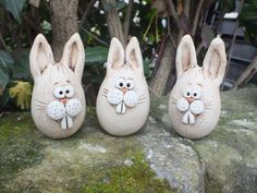… a cute bunny for your Easter decoration … about high … Price is per h … - DIY Hand Built Pottery, Slab Pottery, Ceramic Animals, Clay Animals, Paper Mache Crafts, Clay Crafts, Christmas Gifts For Adults, Slab Ceramics, Pottery Courses