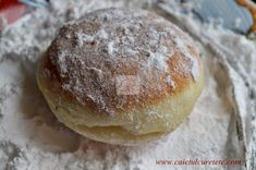 Gogosi de post - CAIETUL CU RETETE Cake Recipes, Vegan Recipes, Donuts, Biscuits, Deserts, Food And Drink, Bread, Cookies, Romanian Recipes