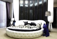 Cheon. Song Yi's bed