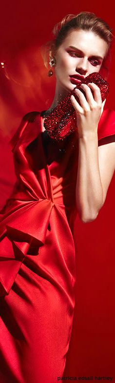 ** Lady in red Glamour, Simply Red, Red Fashion, Shades Of Red, Red Color, Lady In Red, Classy, Beauty, Dress Formal