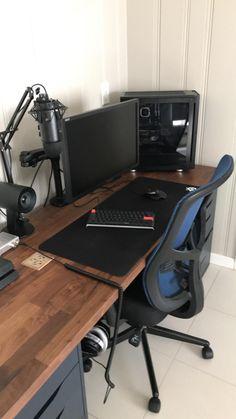 I present to you this brand new ikea desk combo I came up with myself Bedroom Workspace, Bedroom Setup, Workspace Design, Gamer Setup, Gaming Room Setup, Pc Setup, Dorm Design, Game Room Design, Home Office Setup