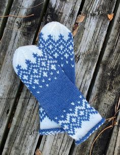 Hay Bay Mittens Knitting pattern by LittleChurch Knits Fair Isle Knitting, Arm Knitting, Knitting Charts, Knitting Patterns, Sewing Patterns, Knitted Mittens Pattern, Knit Mittens, Knitted Hats, Crochet Baby