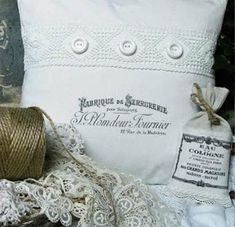 Shabby Chic Inspired: white pillows and lace ~ Sewing Pillows, Diy Pillows, White Pillows, Decorative Pillows, Throw Pillows, Linen Pillows, Fluffy Pillows, Fabric Crafts, Sewing Crafts
