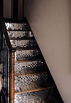 mirror tiles stair risers // what a fun look!I do love sparkly things!