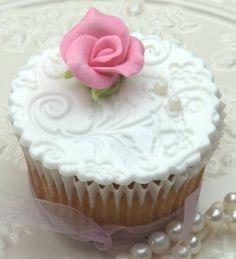 wedding cupcake #wedding #cupcake #cupcakes