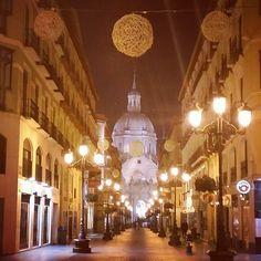 ¡Qué bonita es Zaragoza de noche!