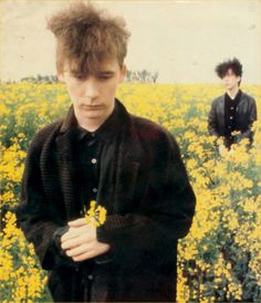 A lovely photo of Jim Reid and William Reid from The Jesus & Mary Chain. <3