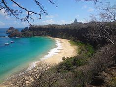 Praia do Sancho na ilha de Frenando de Noronha