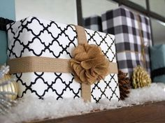 Gifts Dressed Up for the Holidays: Creative #Christmas #Wrapping Ideas, burlap bows