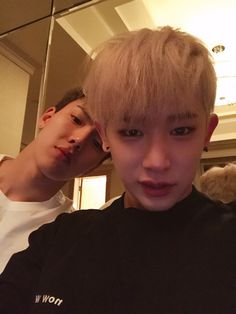 [#WONHO] Monbebes we've arrived in Korea safely and now we're going to sleep. Monbebes sleep well too I will say bye~    translated by fymonsta-x ϟ