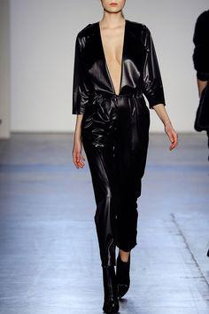 Giulietta Fall Winter 2016 black v-neck jumpsuit - FALL WINTER 2016 GIULIETTA - in preo on www.PRECOUTURE.com