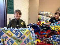 Dec 3, 2012. Deputies hand out 1000 blankets to kids made by LA Co Jail inmates during the 999forkids Holiday Celebration