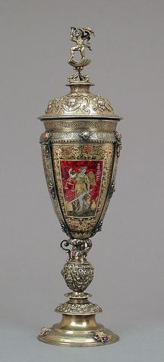 De pé copo com tampa Vinzenz Hofer (ativo 1542-1568) Data: final do século 16 e do século 19, Cultura Alemã, Nuremberga e austríaco, Salzburg Médio: prata dourada, vidro, esmalte, diamantes, rubis