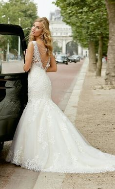 Famed For Their Impeccable Detailing The Ronald Joyce Collections Are Perfect Glam Brides To Be Who Want A Truly Breathtaking Wedding Gown