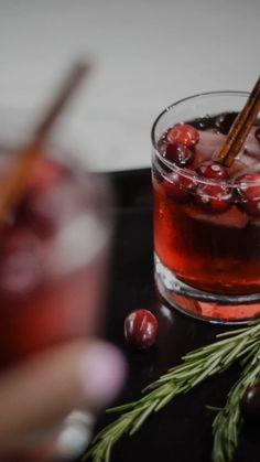 Fancy Drinks, Cocktail Drinks, Yummy Drinks, Cocktail Recipes, Alcohol Drink Recipes, Fall Drinks Alcohol, Alcoholic Drinks, Mixed Drinks, Beverages