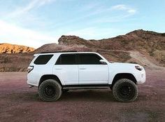 """Toyota 4Runner equipped with a Fabtech 6"""" System #fabtech #fabtechmotorsports #liftedtrucks #toyota #4runner #toyota4runner #lifted4runner"""