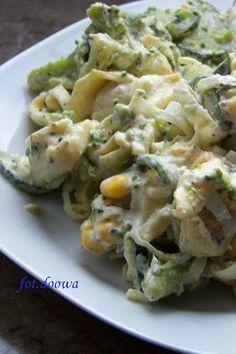 Moje Małe Czarowanie: Sałatka z tortellini i brokułami