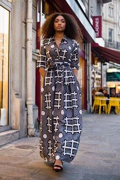 Elegant shirt dress with pockets and ties to tie in order to adjust the size according to your desires. African Print Dresses, African Fashion Dresses, African Dress, Fashion Outfits, Fashion Tips, African Lace, Fashion Ideas, African Fashion Designers, African Print Fashion