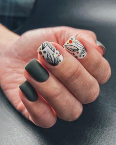 Nail art is a very popular trend these days and every woman you meet seems to have beautiful nails. It used to be that women would just go get a manicure or pedicure to get their nails trimmed and shaped with just a few coats of plain nail polish. Dope Nails, Fun Nails, Nail Art Cute, Nagel Gel, Gel Nail Designs, Perfect Nails, Trendy Nails, Nail Inspo, Christmas Nails