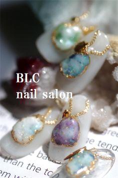 night date style Kawaii Nail Art, Pink Nail Art, Toe Nail Art, Pearl Nails, Gem Nails, Love Nails, Japan Nail Art, Nail Jewels, Japanese Nails