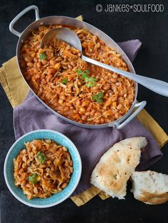 S dafrikanisches Chakalaka mit Baked Beans South African Dishes, South African Recipes, Ethnic Recipes, Spicy Dishes, Food Dishes, Baked Bean Recipes, Recipes Using Baked Beans, Beans Recipes, World Recipes