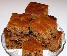 Dads like simple cakes with no fru-fru, so why not serve this old-fashioned cake on Father's Day. - Boiled Raisin Cake Recipe - Desserts at BellaOnline Boiled Raisin Cake Recipe, Boiled Fruit Cake, Greek Desserts, Greek Recipes, Just Desserts, Baking Recipes, Cake Recipes, Dessert Recipes, Poor Mans Cake Recipe