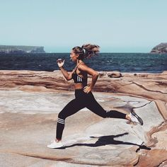 for premium activewear that doesn't break the bank? Our gorgeous new sportswear collection will make you the highlight of any workout or casual outing! Browse women's leggings, yoga pants, workout pants, tights, gym pants and more @ Sport Motivation, Motivation Regime, Motivation Quotes, Yoga Outfits, Fitness Outfits, Fitness Fashion, Fitness Shirts, Gym Fashion, Fashion Outfits