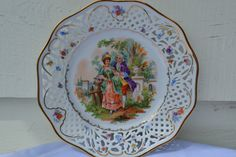 Vintage Colonial Scene Scalloped Edge Plate