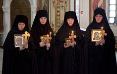Orthodox nuns from St. Elizabeth's Convent + + + Κύριε Ἰησοῦ Χριστέ, Υἱὲ τοῦ Θεοῦ, ἐλέησόν με τὸν + + + The Eastern Orthodox Facebook: https://www.facebook.com/TheEasternOrthodox Pinterest The Eastern Orthodox: http://www.pinterest.com/easternorthodox/ Pinterest The Eastern Orthodox Saints: http://www.pinterest.com/easternorthodo2/