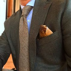 Green jacket with cashmere tie