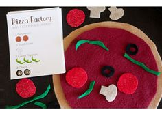 perfect for church or library play! Pizza Factory felt busy bag with free printable recipe cards. More busy bag ideas in post. Quiet Time Activities, Craft Activities, Toddler Activities, Preschool Projects, Felt Projects, Travel Activities, Toddler Busy Bags, Toddler Fun, Felt Busy Bag