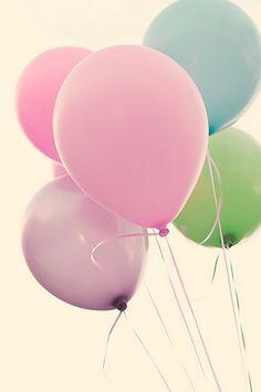 Pastel balloon bouquet