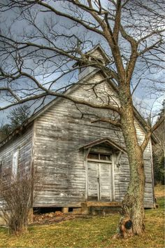 Old Wooden Church. Abandoned Churches, Old Churches, Abandoned Places, Abandoned Mansions, Scenic Photography, Landscape Photography, Architectural Photography, Night Photography, Landscape Photos