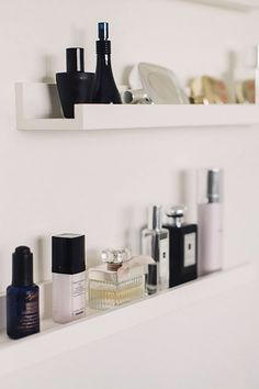 Ikea Ribba Picture Ledge Hack - Ikea Hack - DIY Decoration - Ikea Ribba Picture Ledge Hack – Ikea Hack – DIY Decoration Best Picture For Accessories store - Ribba Picture Ledge, Mosslanda Picture Ledge, Picture Ledge Bedroom, Ikea Photo Ledge, Ikea Shelf Hack, Hack Ikea, Hack Hack, Ikea Book Shelves, Shelves For Bedroom