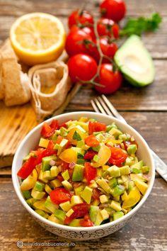 RETETE CU AVOCADO | Diva in bucatarie Food Dishes, Side Dishes, Side Dish Recipes, Vegetable Recipes, Guacamole, Cobb Salad, Recipies, Healthy Recipes, Vegetables